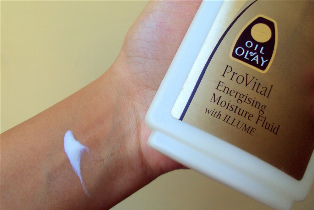 Oil of Olay ProVital Energising Moisture Fluid with Illume Review