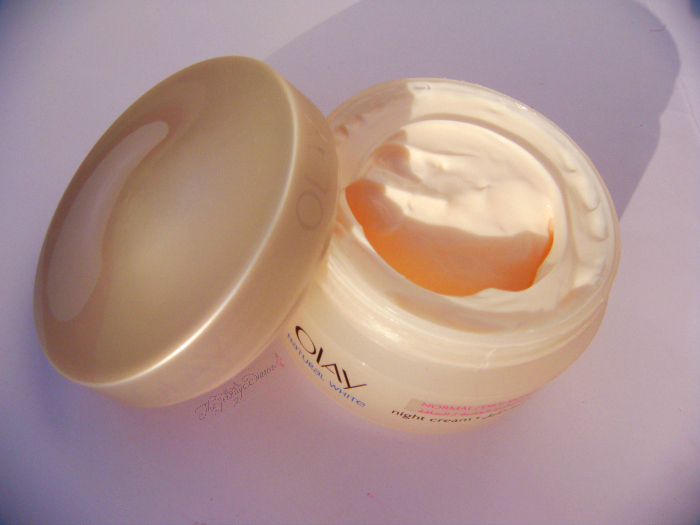 Olay Natural White Night Cream swatch
