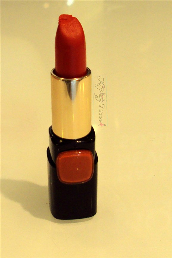 loreal collection star pure reds lipstick pure fire swatches price and availability in india