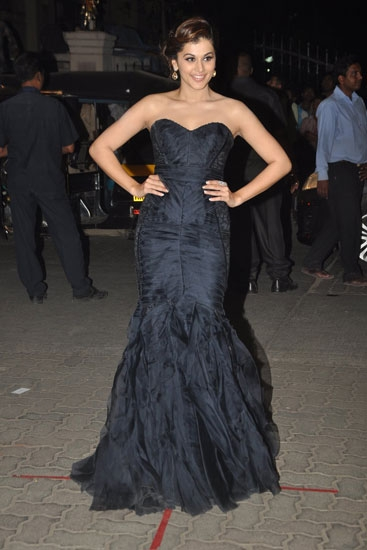 Taapsee-Pannu-in-Theia-Couture