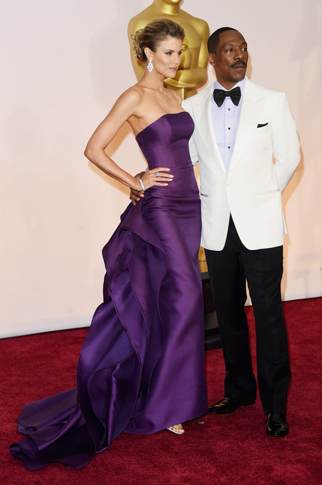 actor eddie murphy and model paige butcher oscars 2015