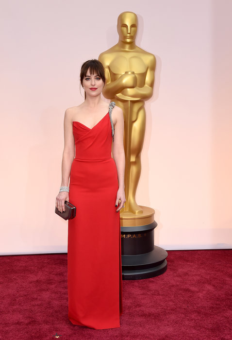 actress dakota johnson oscars 2015