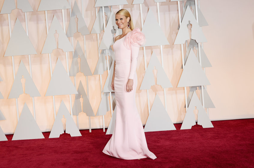 actress gwyneth paltrow in ralph and russo gown oscars 2015