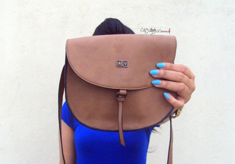 atorse tan sling bag