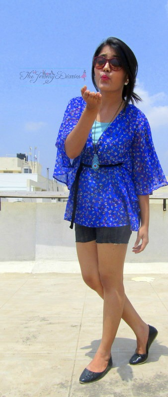 kimono tops with denim shorts bangalore fashion blogger princy mascarenhas max road to paris