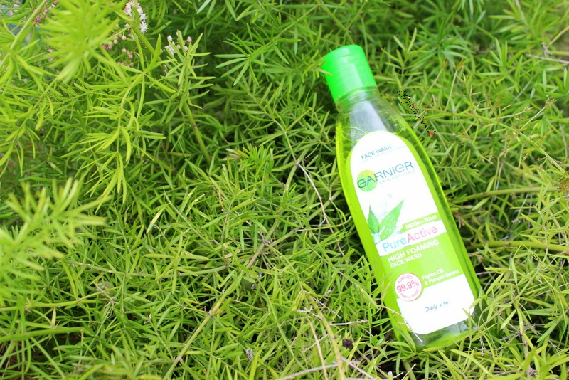 Garnier Pure Active Neem + Tulsi High Foaming Face Wash Review, Price and Availability in India