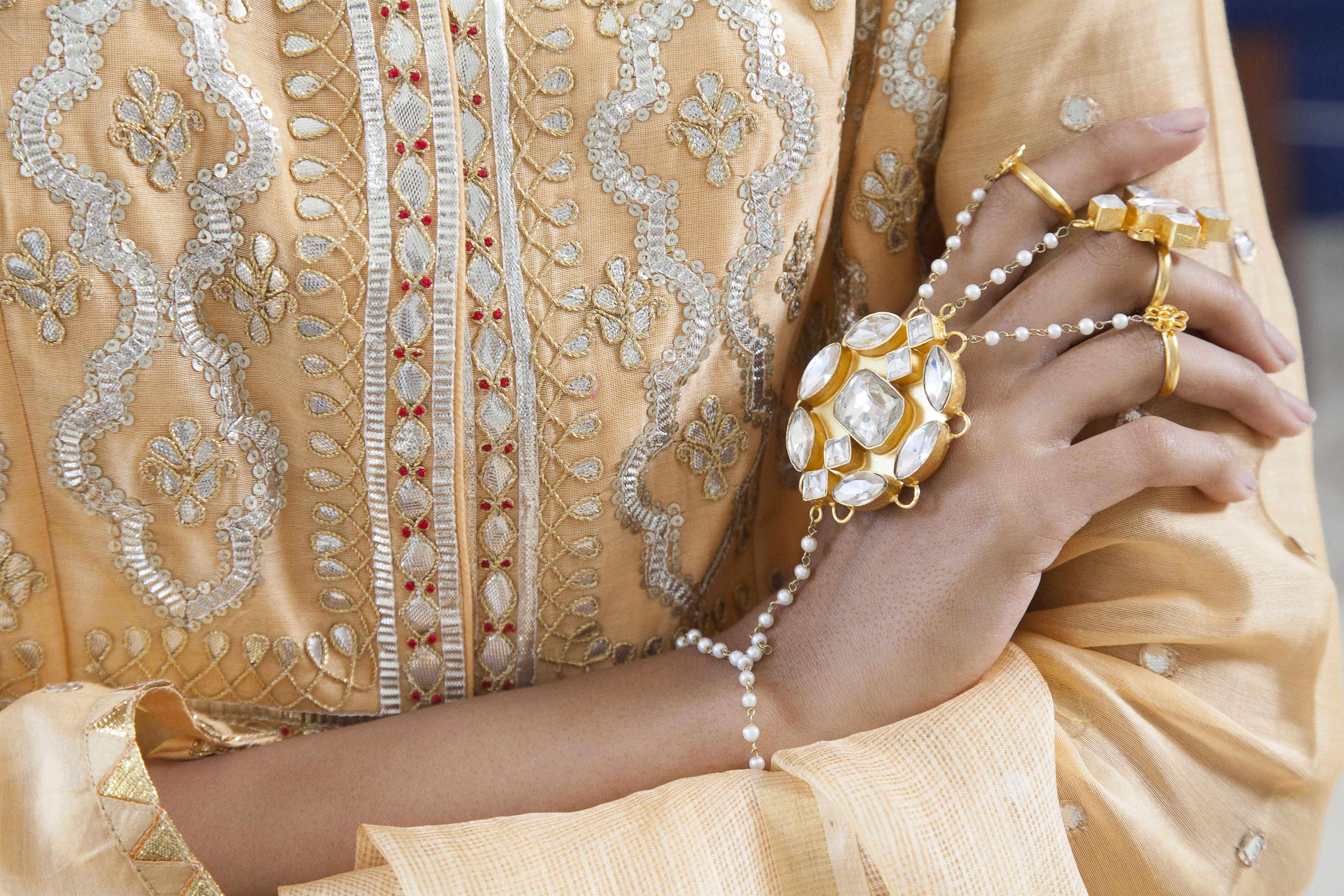 haath phools ogaan jewellery designer
