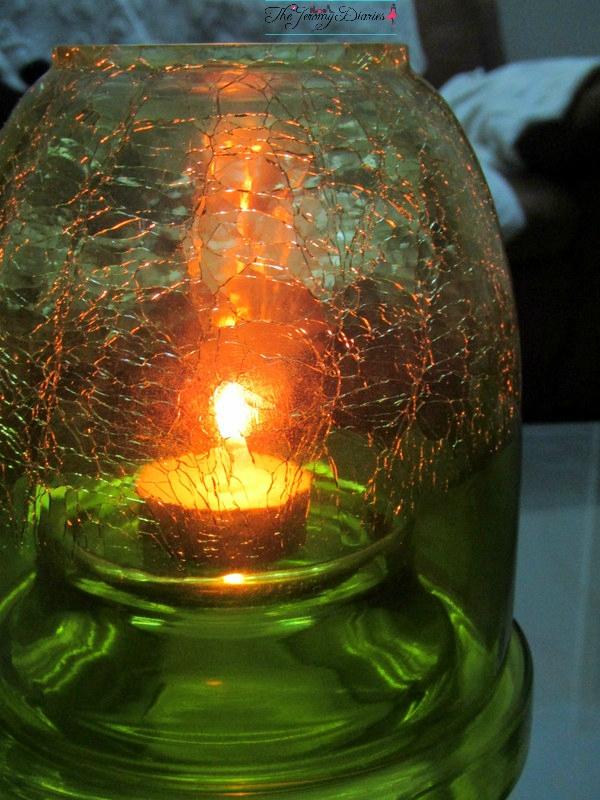 half crackle shimmering light box