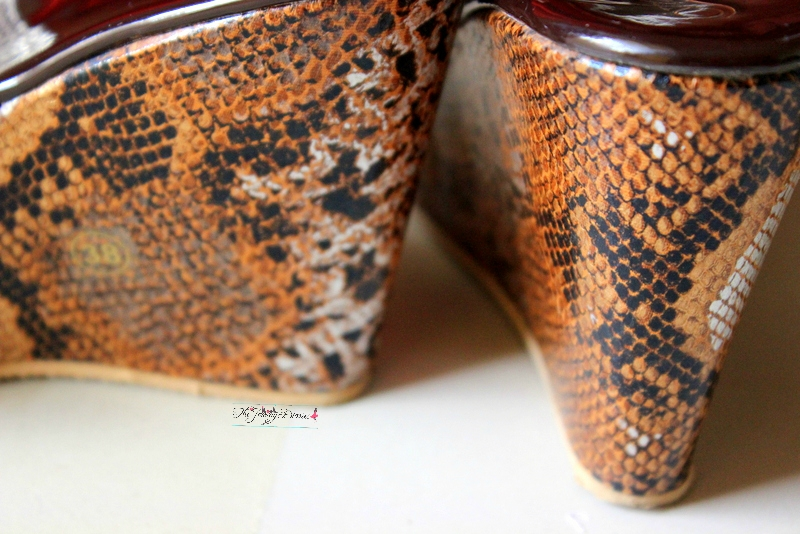 snake skin print wedges from limeroad shopping