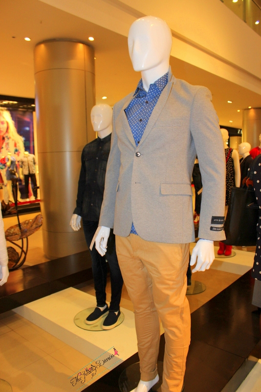 balazers and suits for men at phoenix market city bangalore