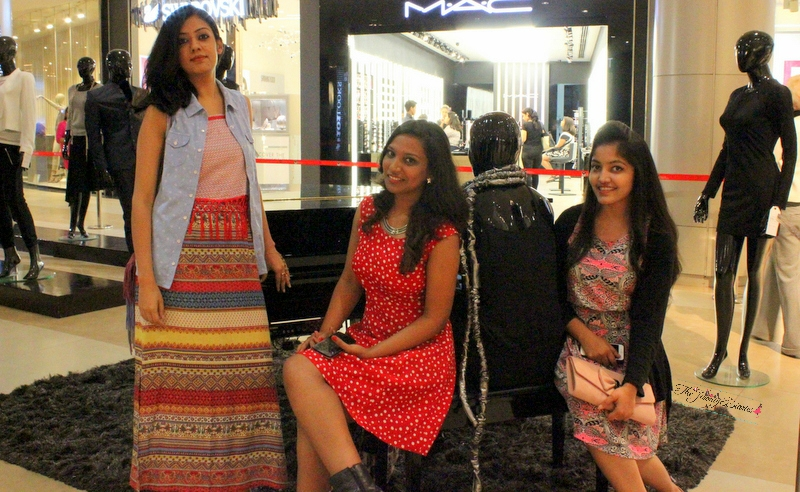 bloggers at phoenix market city bangalore for 101 looks at phoenix