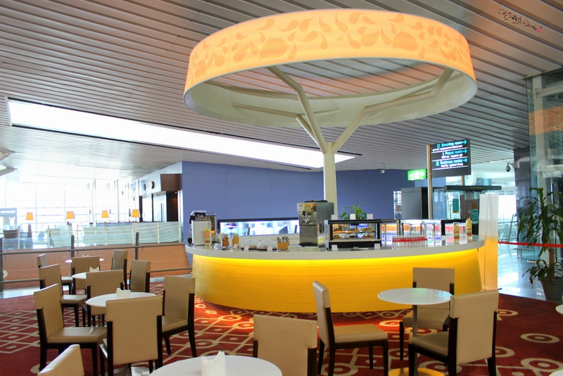 coffee area at above ground level lounge bangalore international airport