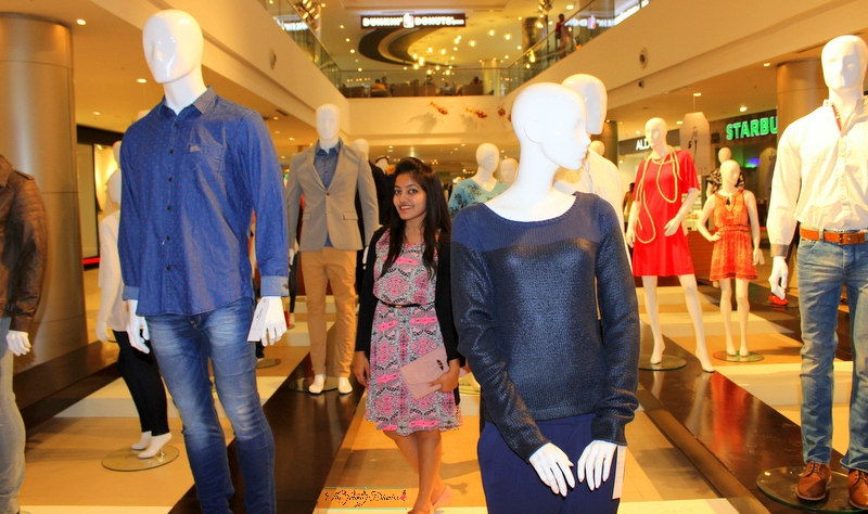 fashion blogger princy mascarenhas with the mannequins at phoenix market city fashion destination for shopping