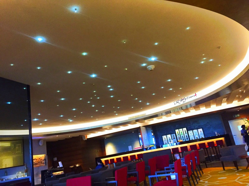 twinkling sky dome at above ground level lounge bangalore international terminal