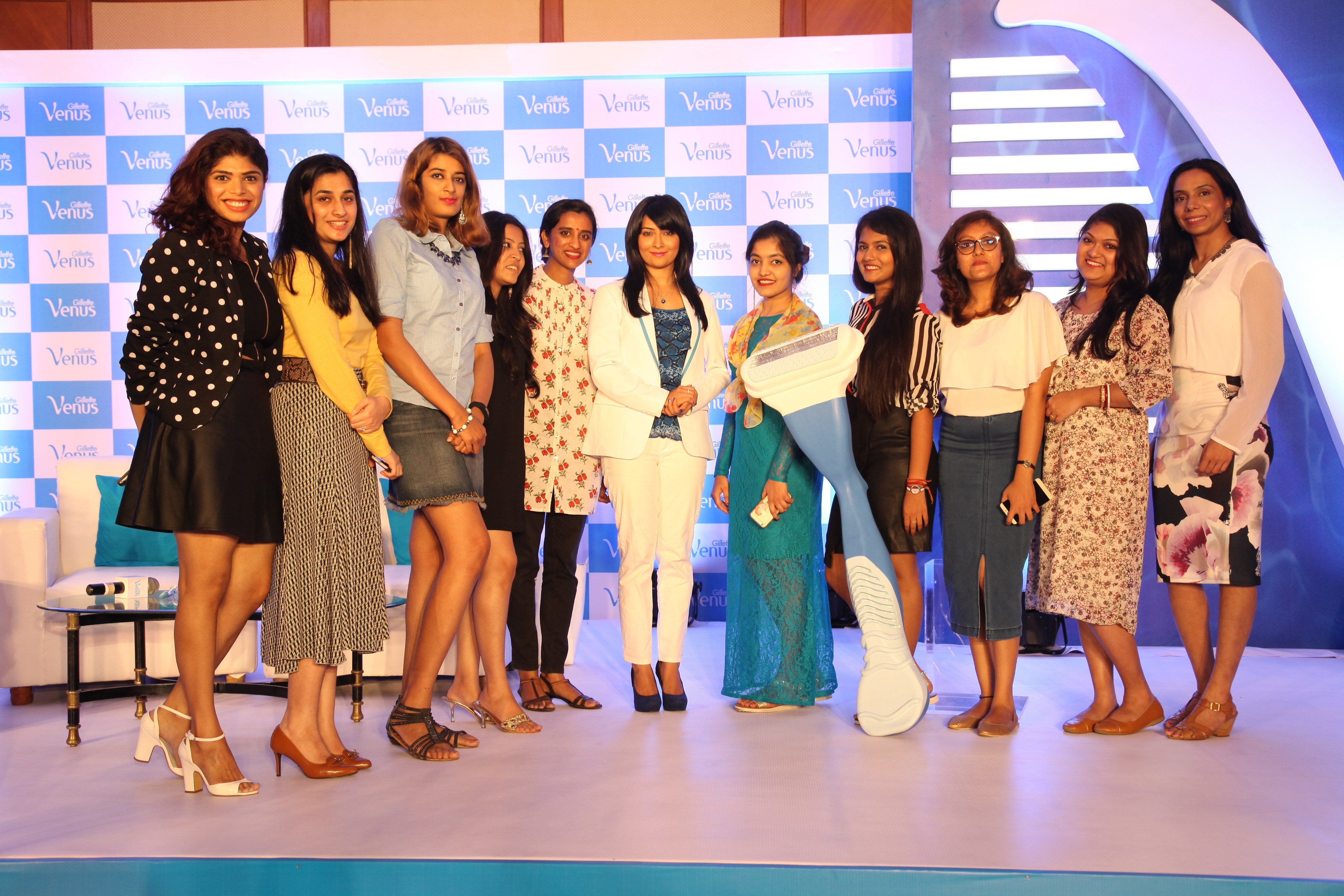 bangalore beauty bloggers with radhika pandit at gillette venus subscribe to smooth event bangalore