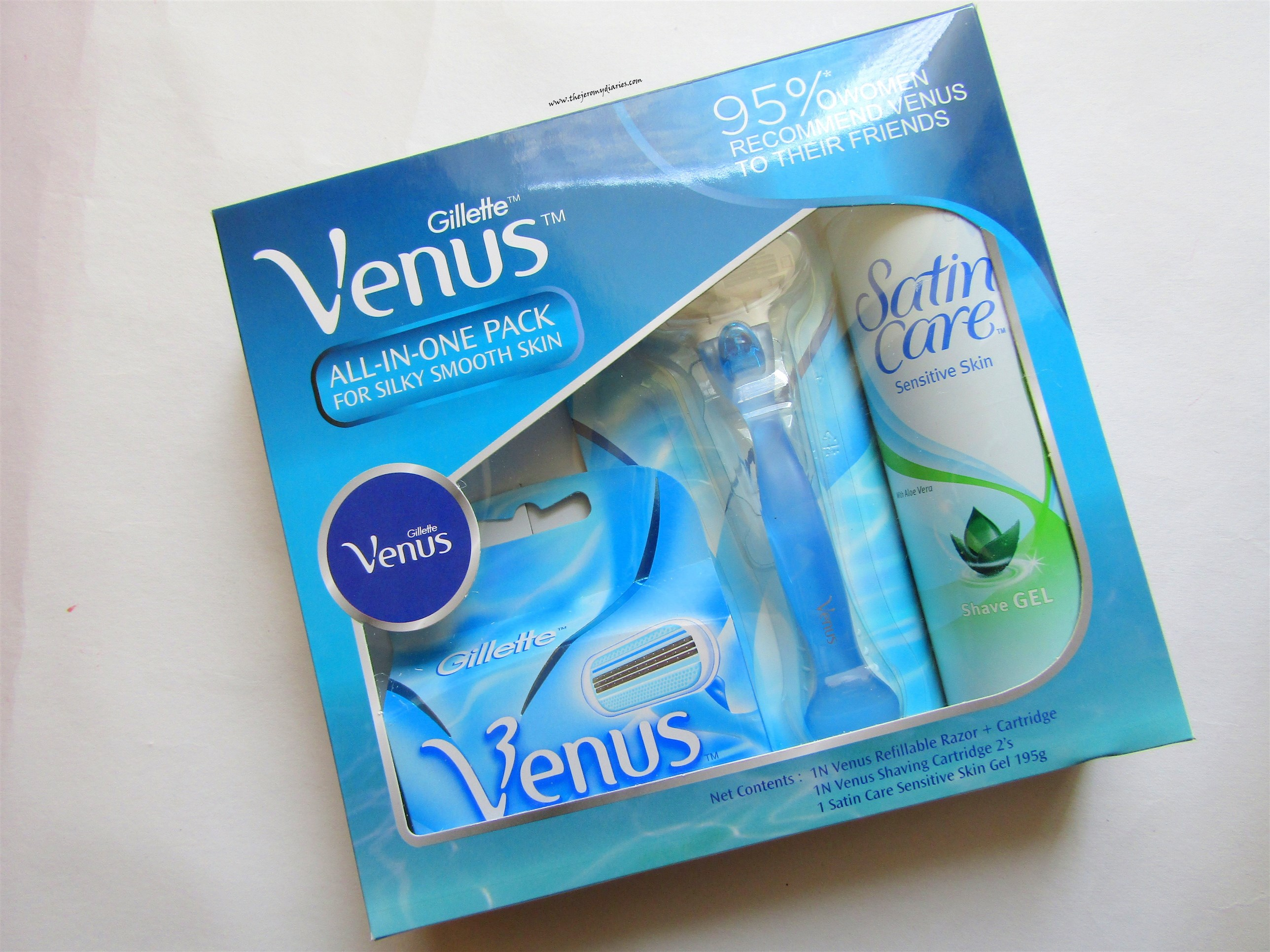gillette venus shaving kit (2576 x 1932)