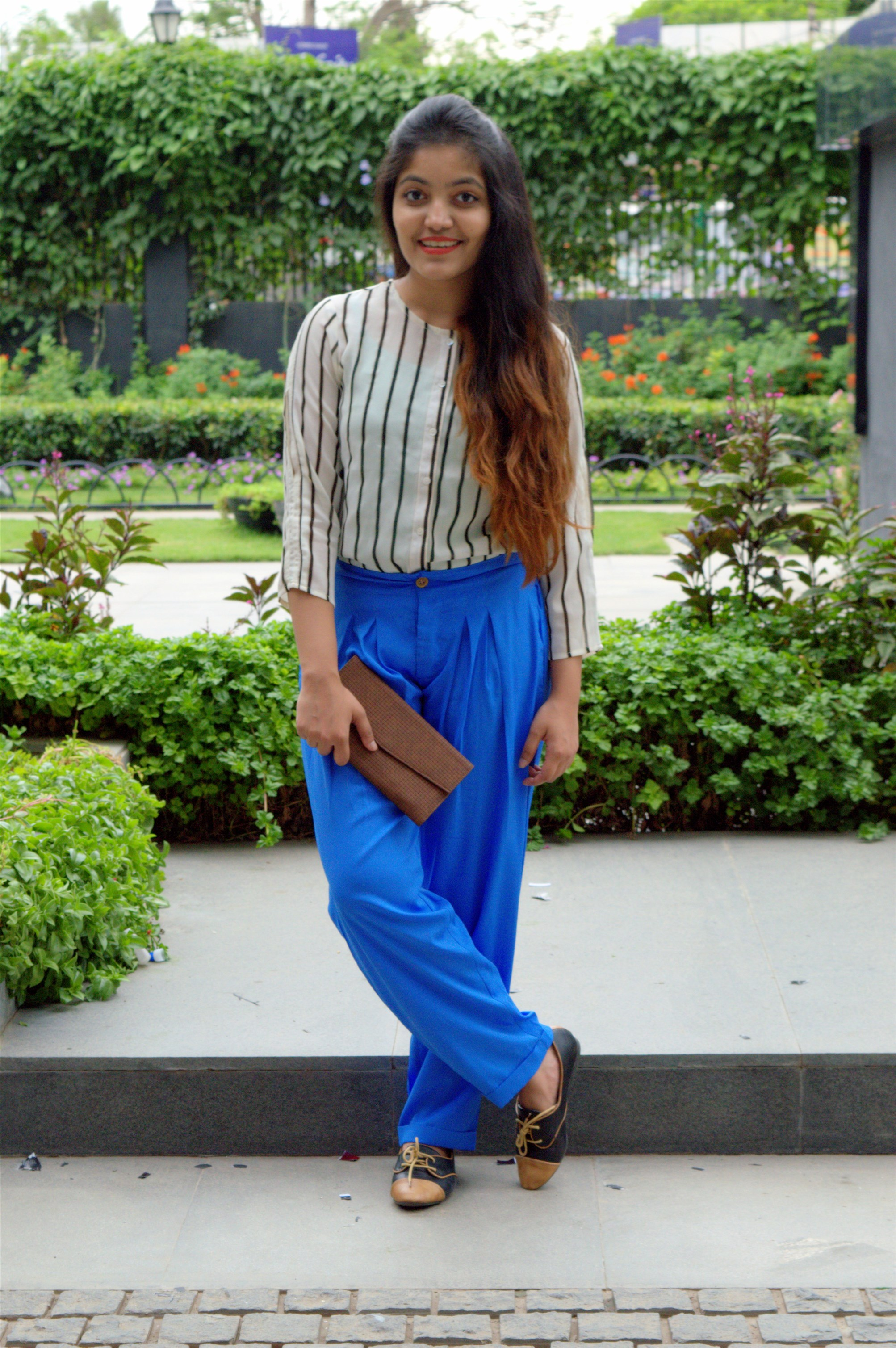 american swan pleated palazzos with striped top how to style palazzos the jeromy diaries