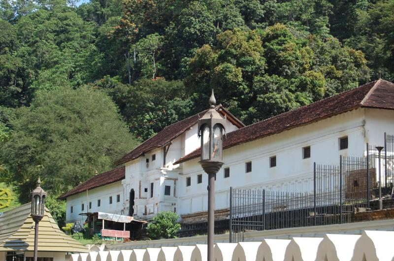 royal_palace_kandy-the-jeromy-diaries-places-to-visit-when-in-sri-lanka