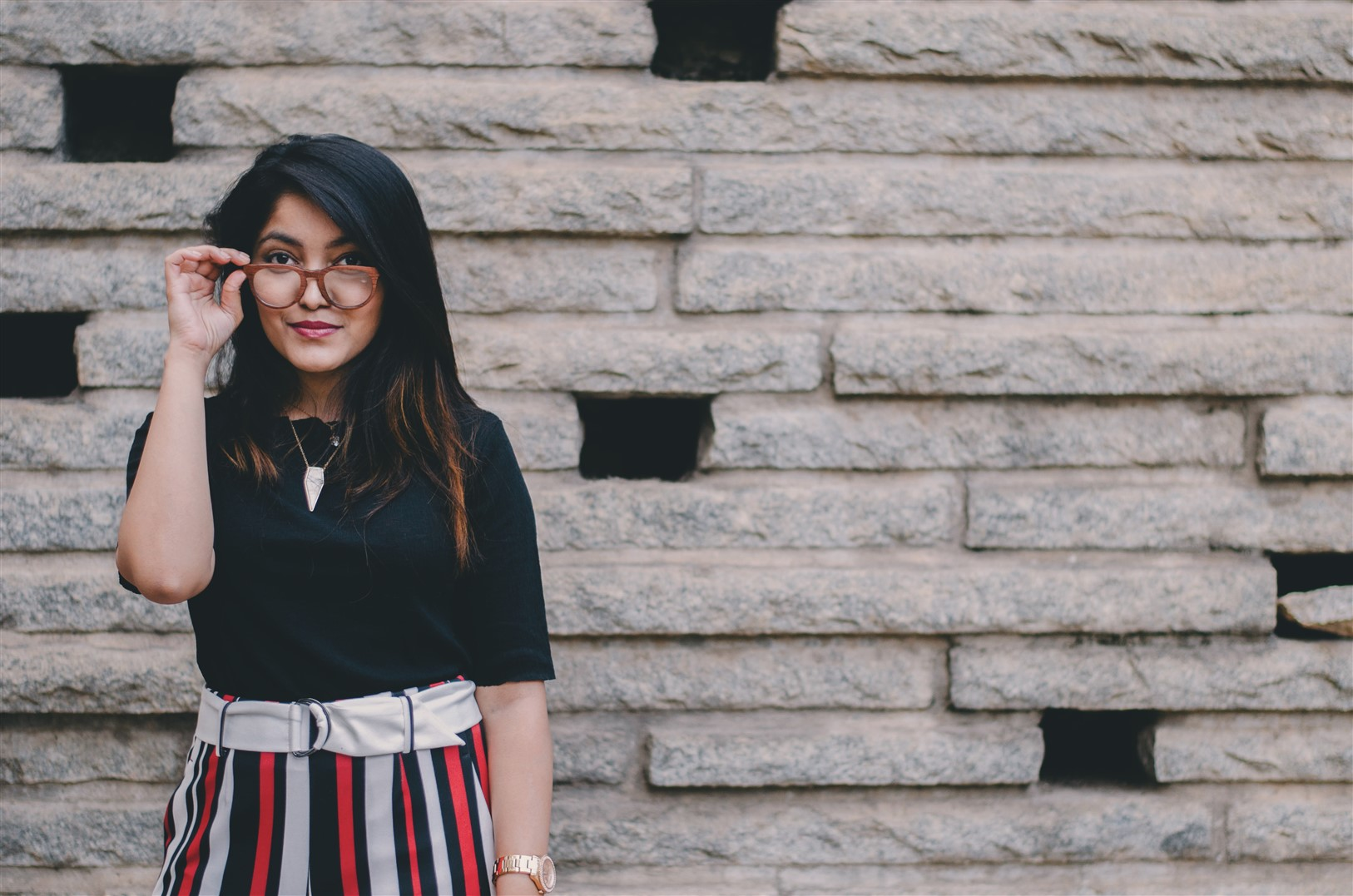fashion blogger princy mascarenhas the jeromy diaries in woodgeek rose wooden spectacles