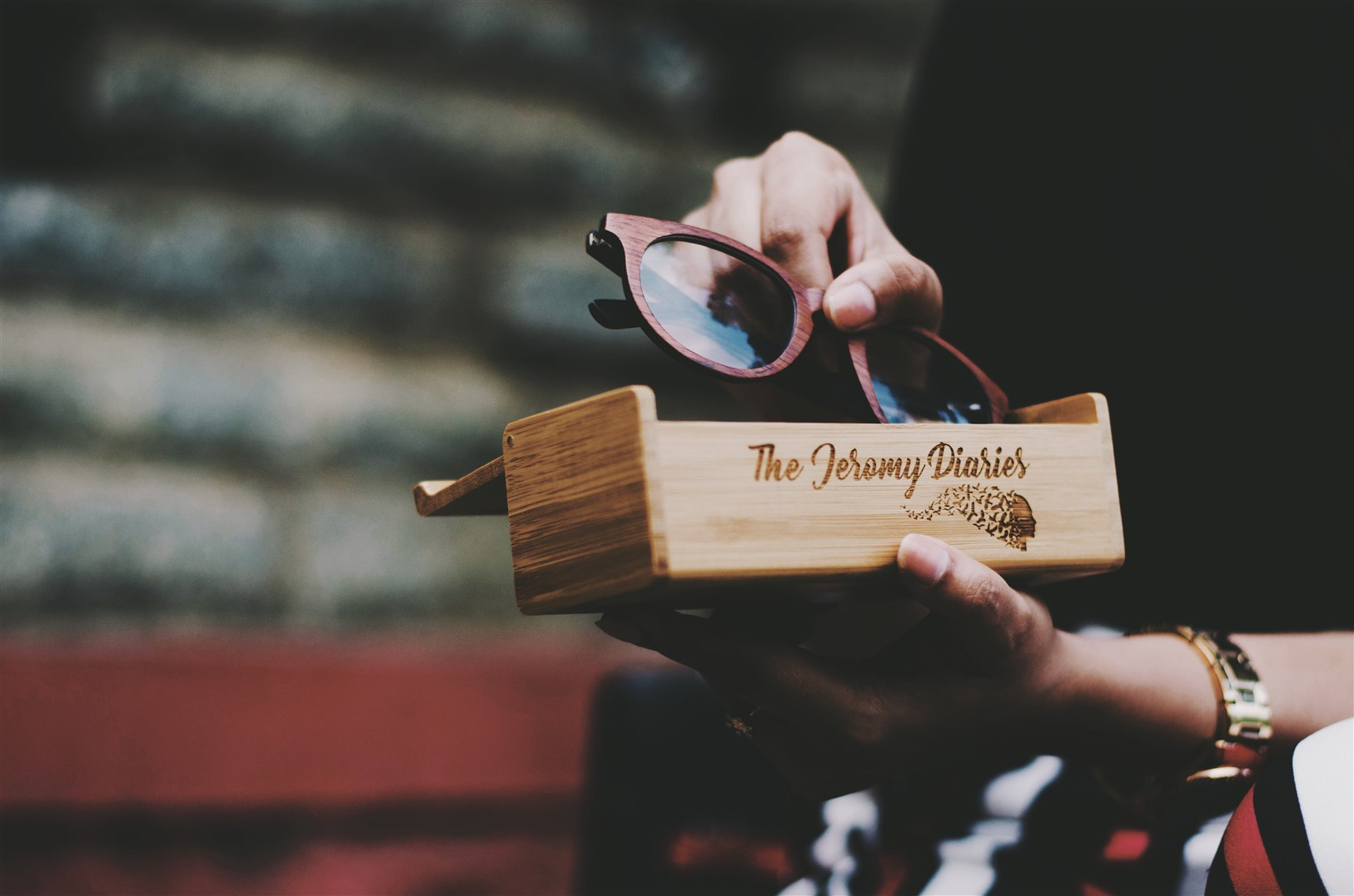 personalized wooden spectacle case woodgeek the jeromy diaries